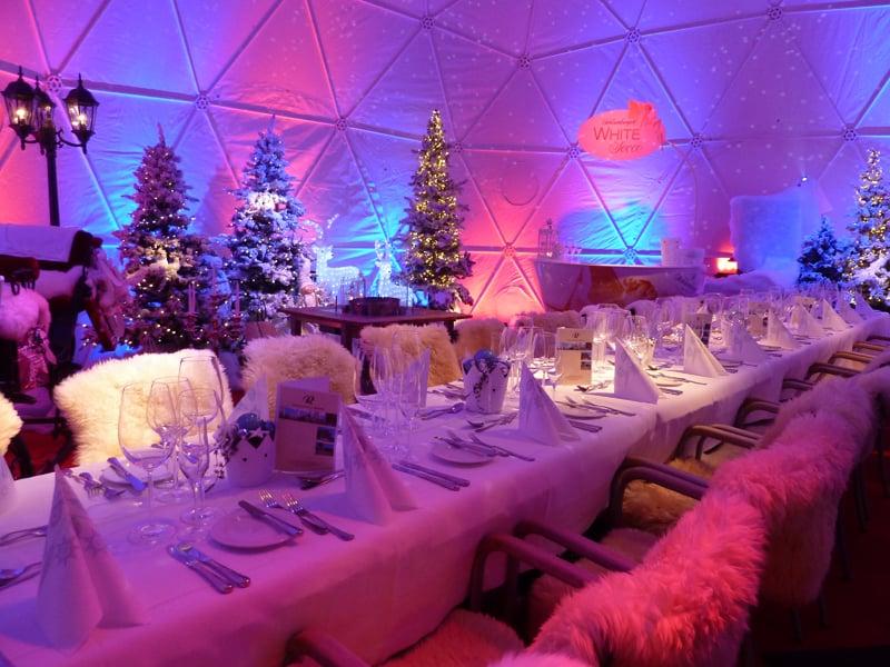 Winter-Weihnachtsmärchen im Restaurant Raten