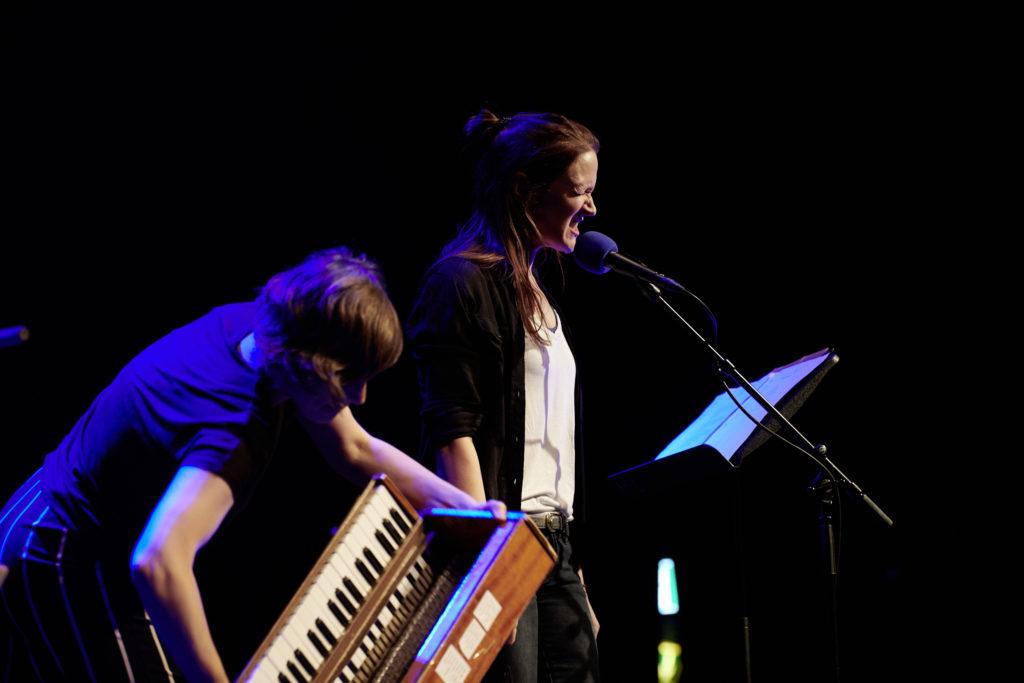Ein Höhepunkt am Donnerstag: Martina Clavadetscher (hinten) und Isa Wiss.