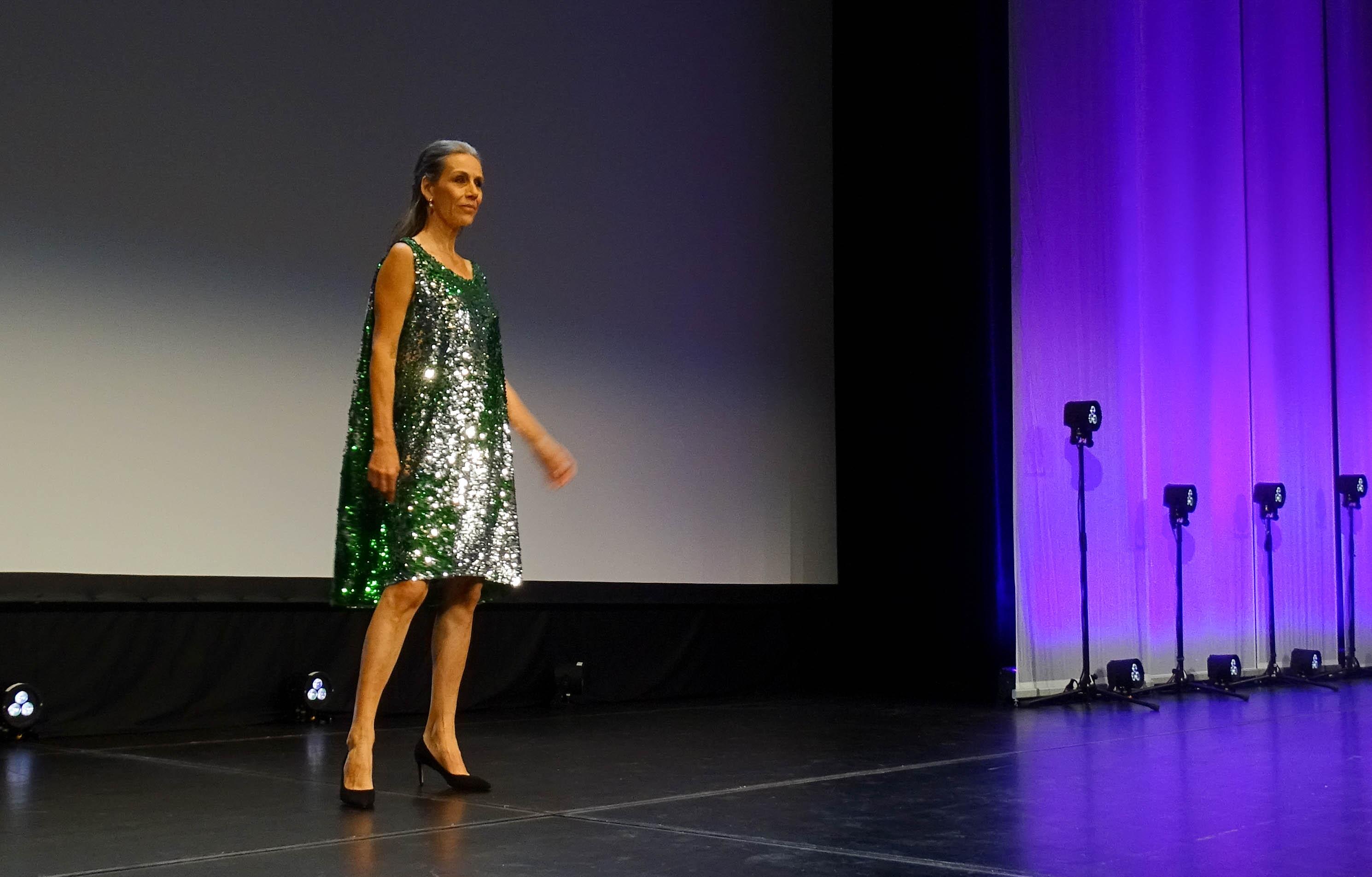 Ein Kleid, das Emanuela Zambon für Silvester kaufen würde.