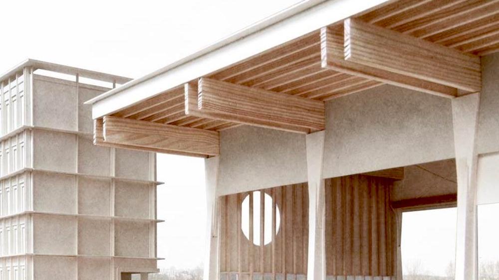 Ein Vordach schützt vor Regen.