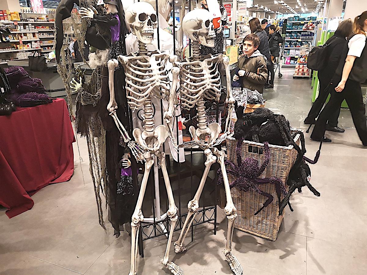 Skelette sind dieses Jahr absolut «in» an Halloween.