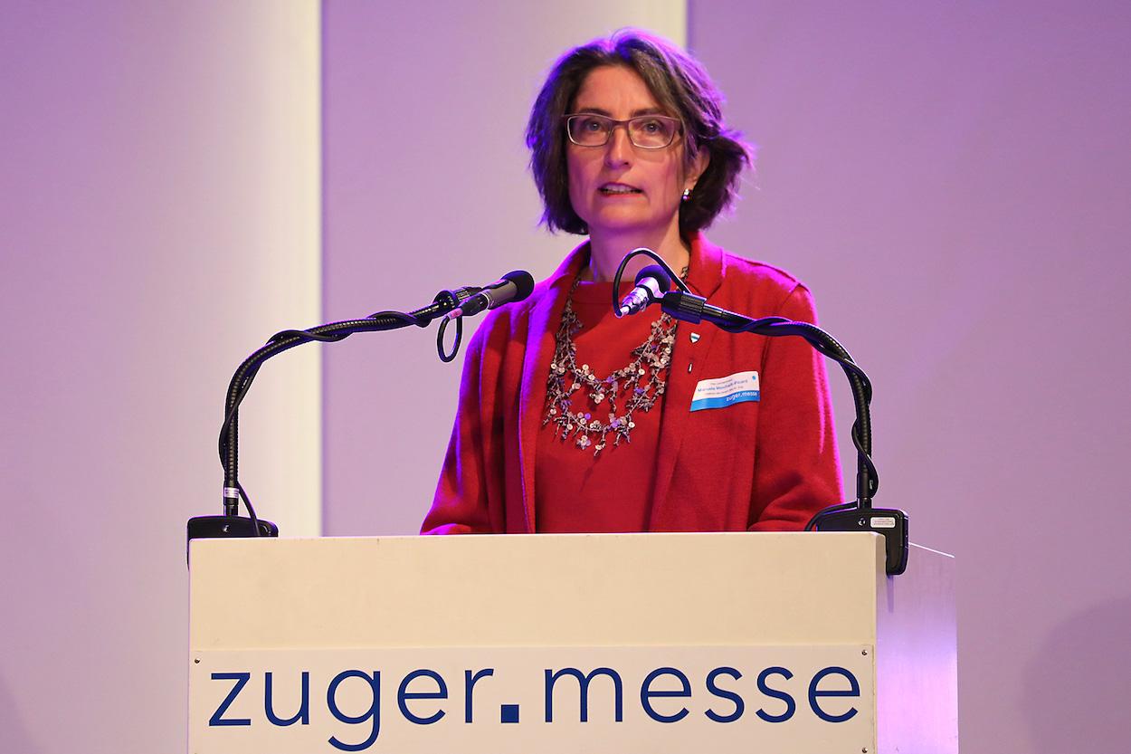 Als Regierungsrätin natürlich im Fokus der Öffentlichkeit: Frau Landammann Manuela Weichelt-Picard eröffnete die 47. Zuger Messe.