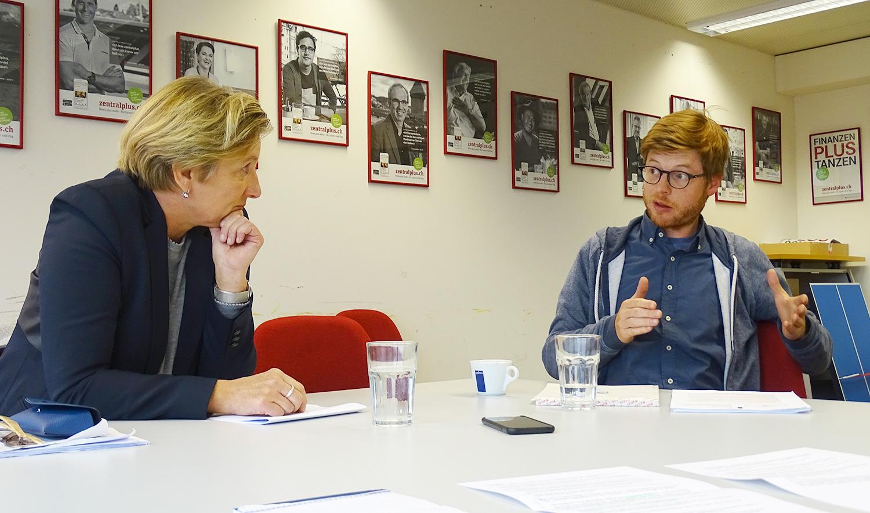 Längere Öffnungszeiten ja, aber wie? Judith Wyrsch (GLP) und Christian Hochstrasser (Grüne) sind sich uneins.