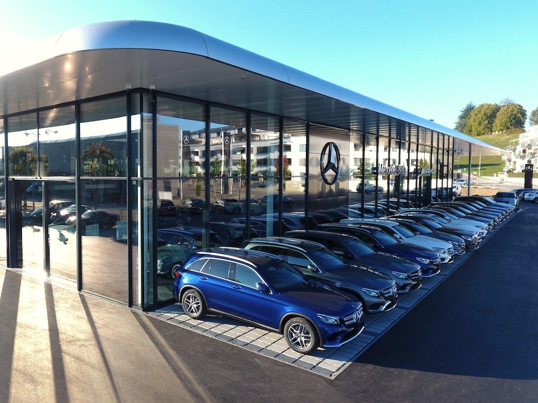 Das neue Autohaus in Steinhausen gilt laut den Verantwortlichen als Exempel für das neueRetailkonzept von Mercedes-Benz.