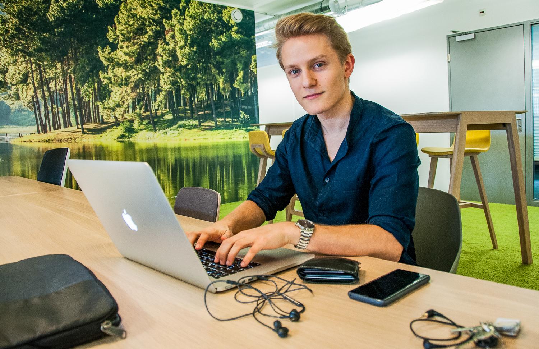 Der 18-jährige Udligenswiler bietet für Jungunternehmer eine Galadinnerparty an.
