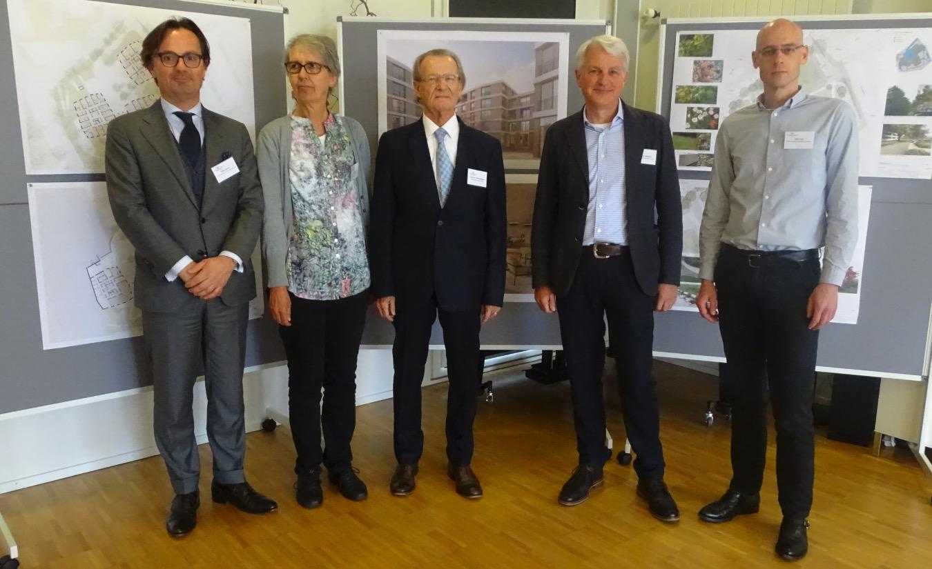 Sie stehen hinter dem Projekt (von links): Projektleiter Felix Lienert, Spitalschwester Angela Hug, Verwaltungsratspräsident Bruno Wermelinger und die beiden Architekten Armando Meletta und Felix Gut.