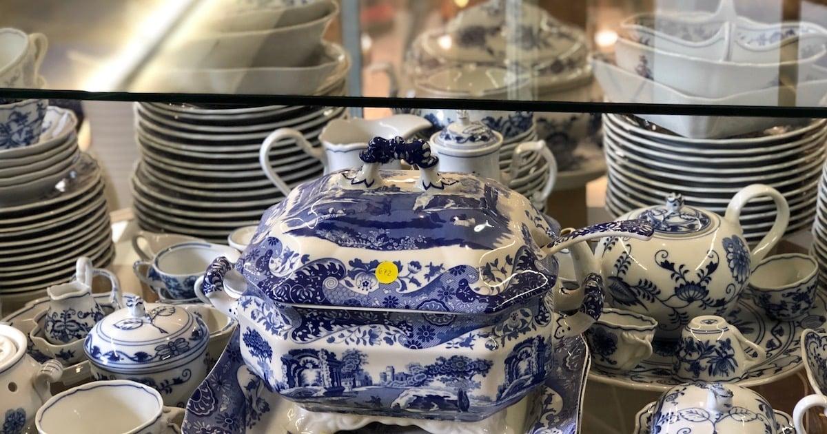 Edel und vielteilig: Porzellanset aus einem Nachlass.