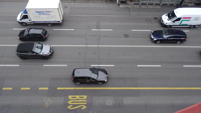 Schweizweit werden vermehrt auf Hauptstrassen auf Tempo 30 reduziert.