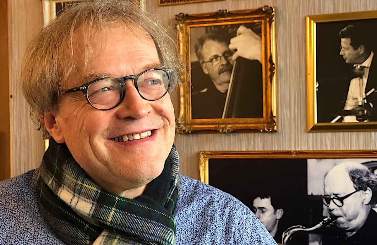 Musiker von ganzem Herzen: Ludwig Wicki in der Louis-Bar des Hotel Montana.