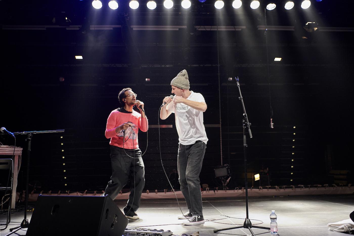 Martin Baumgartner (links) und Christoph Fellmann performen ein ganzes Album von Kendrick Lamar.