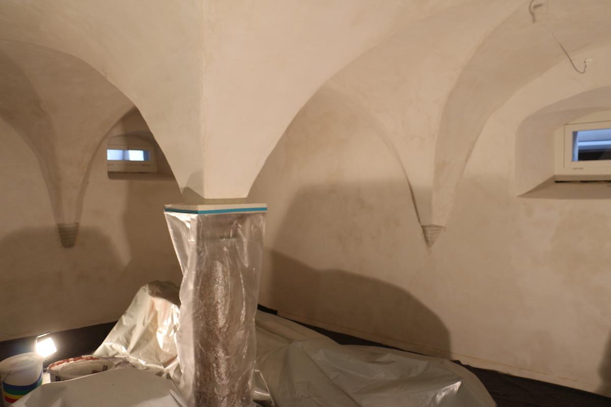 Noch ist nicht alles ganz fertig. Der Keller muss vor der grossen Eröffnung noch gestrichen werden.