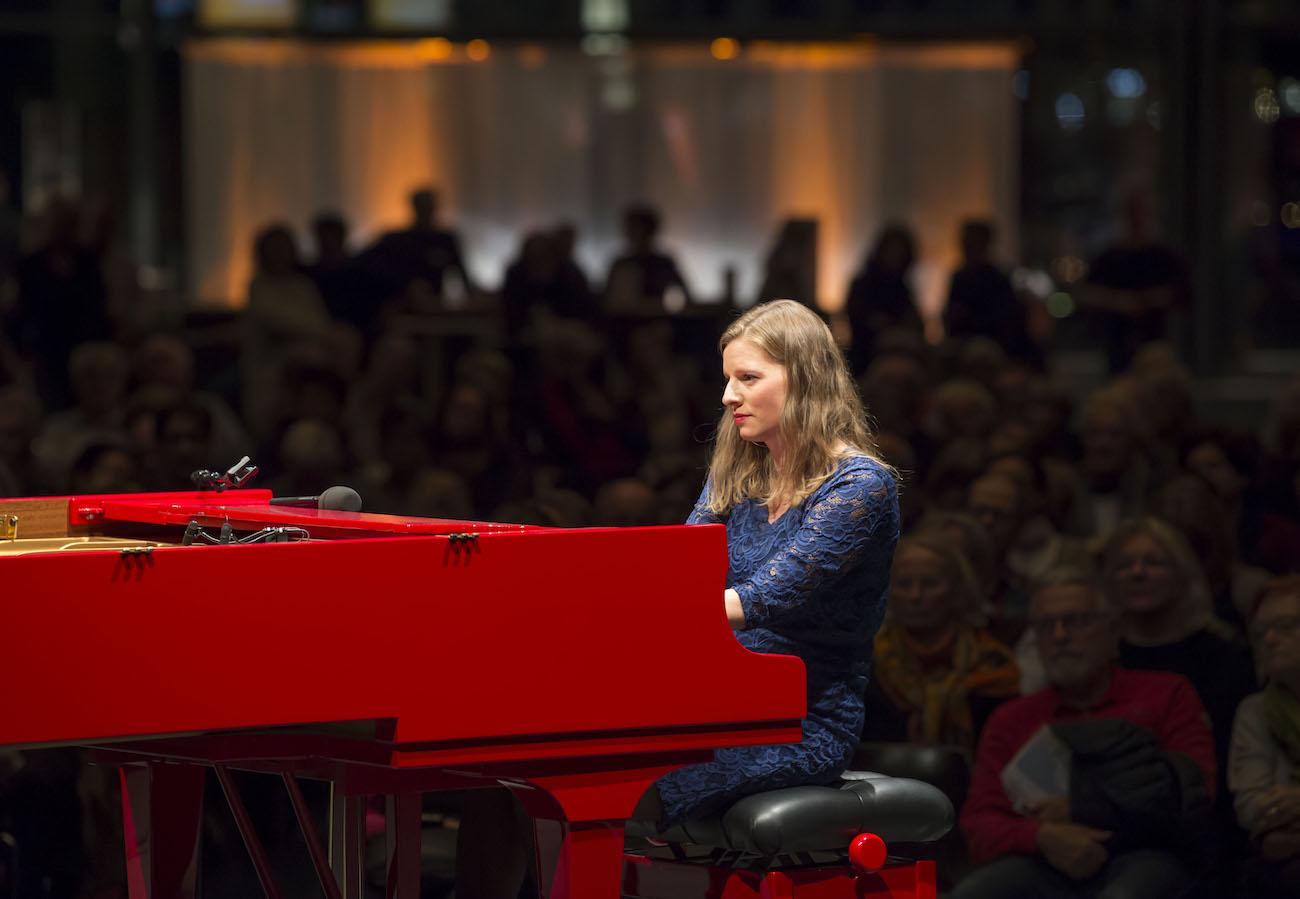 Die Eröffnung der Piano Off-Stage mit der Wiener Pianistin Julia Siedl im KKL Luzern.