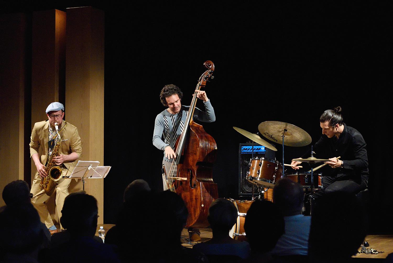Beliebte Bühne bei Musikern: Saxofonist Simon Spiess mit Band.