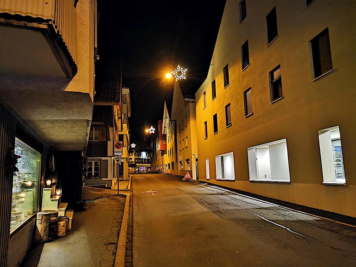Weihnachtsbeleuchtung wie zu Zeiten des Kalten Krieges: Menzingen.