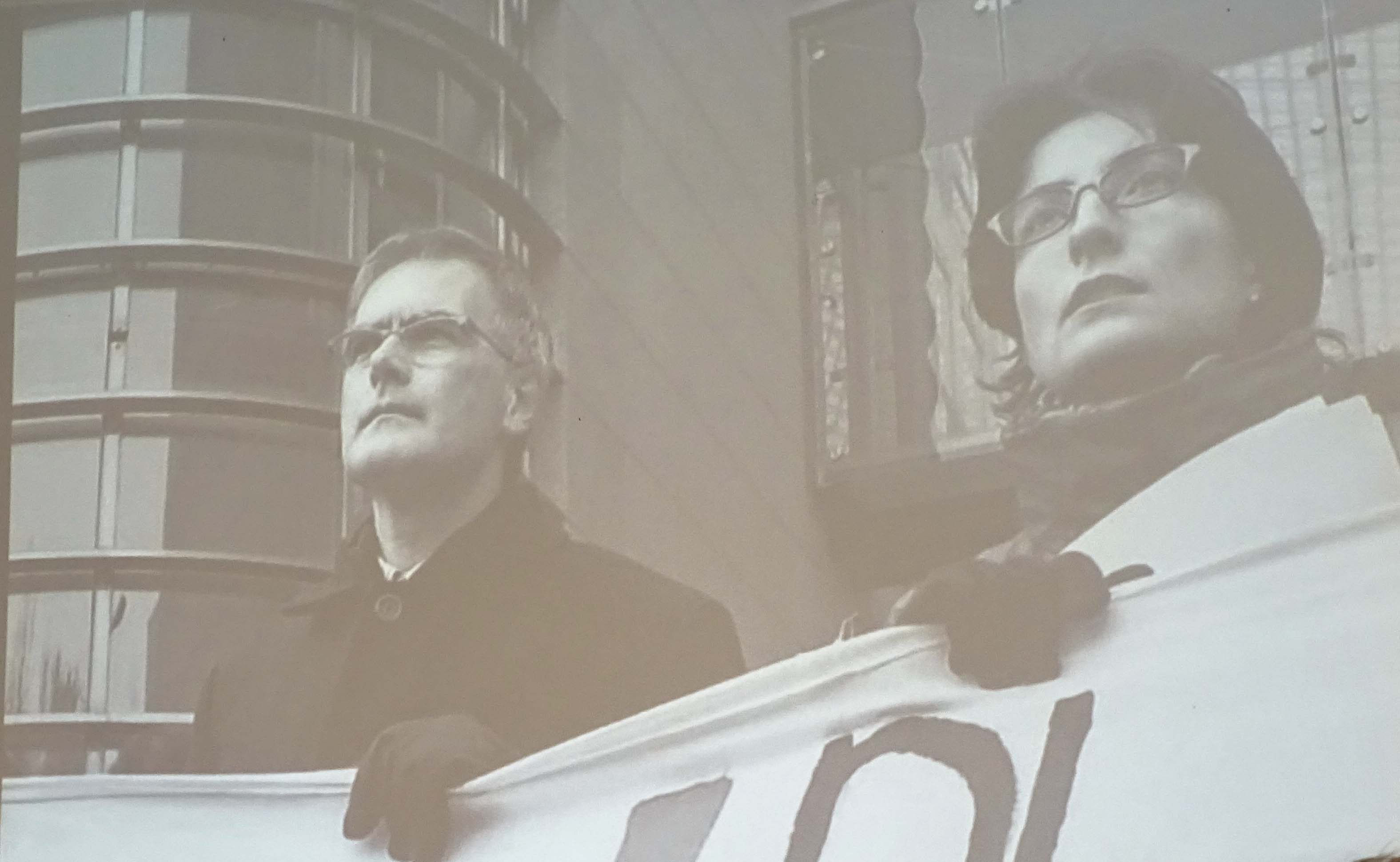 Erinnerung an frühere Demo-Tage: Hanspeter Uster und Manuela Weichelt gegen die «Prestige»-Tankerkatastrophe 2002.