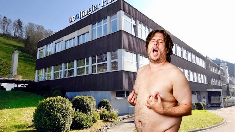 Letzte Rettung: Erotik! Genau das dachte sich auch die Ringier-Druckerei in Adligenswil. Dort sollte ein Erotikheft produziert werden.