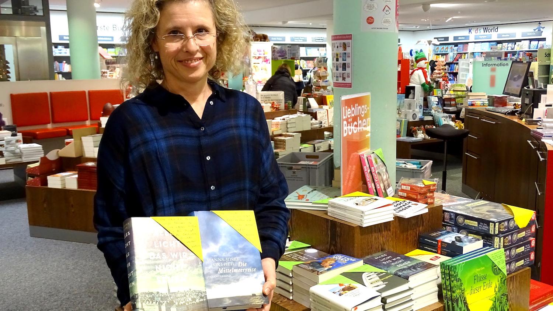 Christine Wuthier arbeitet bereits seit zehn Jahren im Buchhaus Stocker in Luzern.