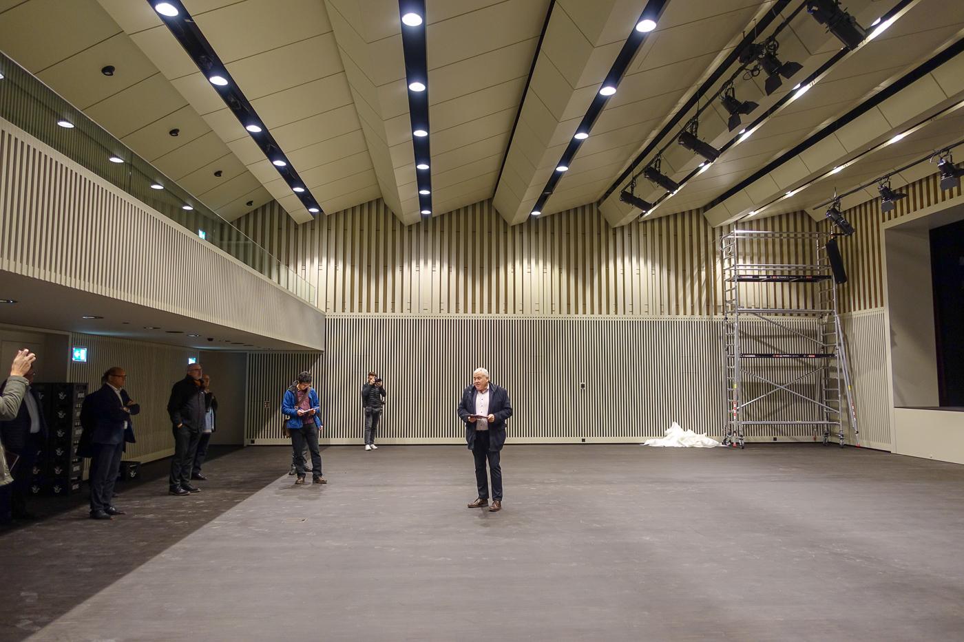 Blick in den neuen Pilatussaal, wo sich künftig auch die Krienser Einwohnerräte treffen.