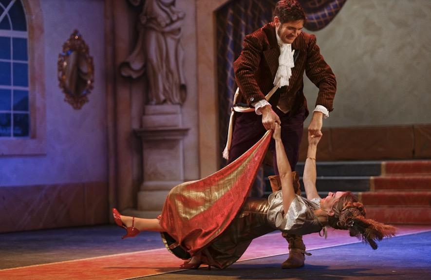 «Wiener Blut» – dieser Operetten-Klassiker mit dem Zuger Tenor Simon Witzig wurde in dieser Saison in Arth gegeben.