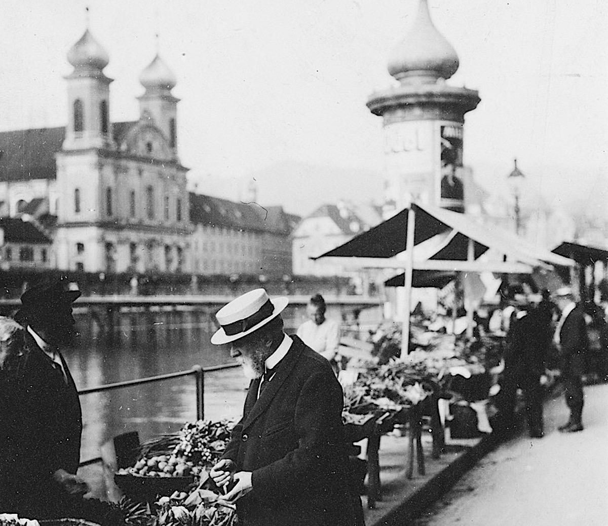 Carl Spitteler am Wochenmarkt: Er war nah an den Leuten und für die politische Neutralität.