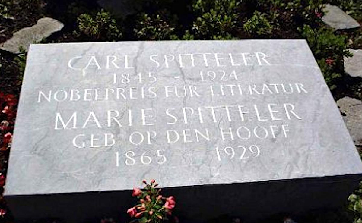 Carl Spitteler war der Erste, der sich 1924 in Luzern kremieren liess: Grab im Friedental.