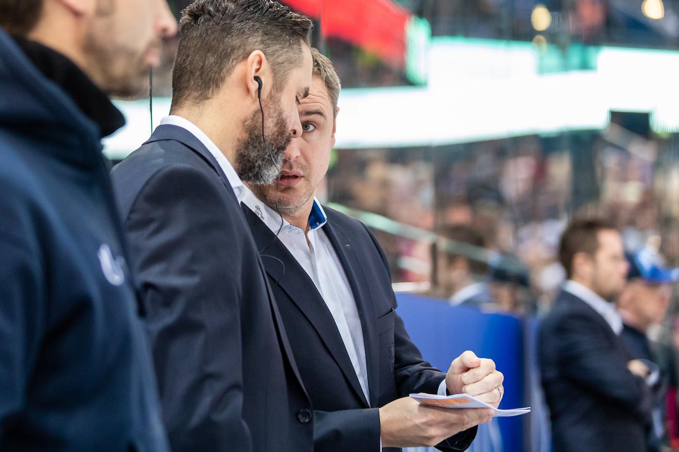 Erfolgreiche EVZ-Trainerbank um Coach Dan Tangnes.