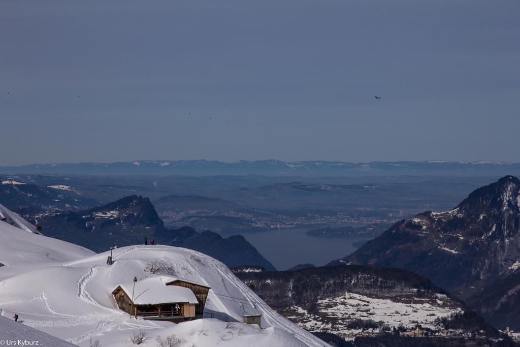 Blick auf den Vierwaldstättersee, das Mittelland und den Jura.
