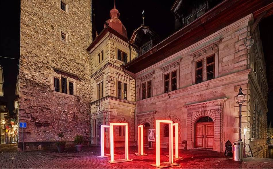 Auch dezent gehaltene Lichtinstallationen lassen Orte in der Luzerner Altstadt in neuem Licht erscheinen.