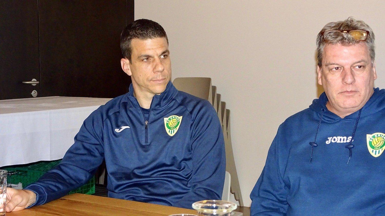 Bruno Berner und Sportchef Bruno Galliker (rechts) legen am Dienstagabend dar, warum sie von der Krienser Mission Ligaerhalt überzeugt sind.