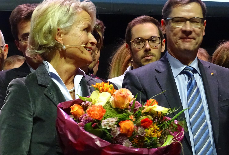Siegerin Andrea Gmür wird gefeiert.