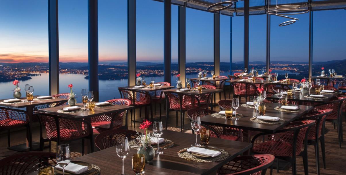 Das Bürgenstock Resort betreibt zahlreiche Restaurants. Hier das Spices mit Aussicht auf den Vierwaldstättersee.