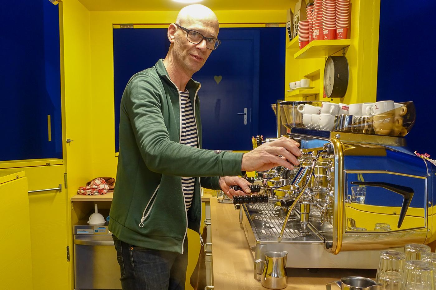 Einfach guten Kaffee, mehr nicht: Stefan Blättler in seinem Lokal «Morgenmuffel».