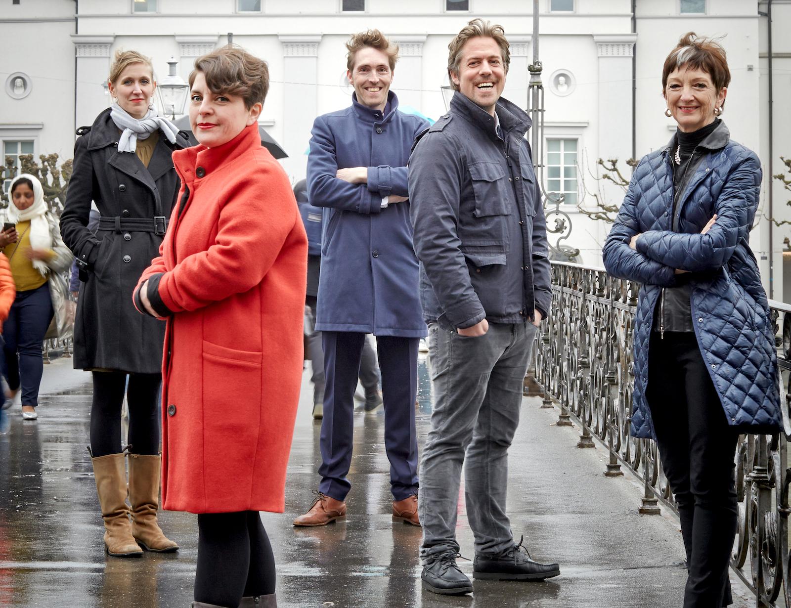 Das Leitungsteam für die neue Saison am Luzerner Theater (von links): Sandra Küpper (Schauspiel), Johanna Wall (Oper), Clemens Heil (Musik), Benedikt von Peter (Intendant) und Kathleen McNurney (Tanz).