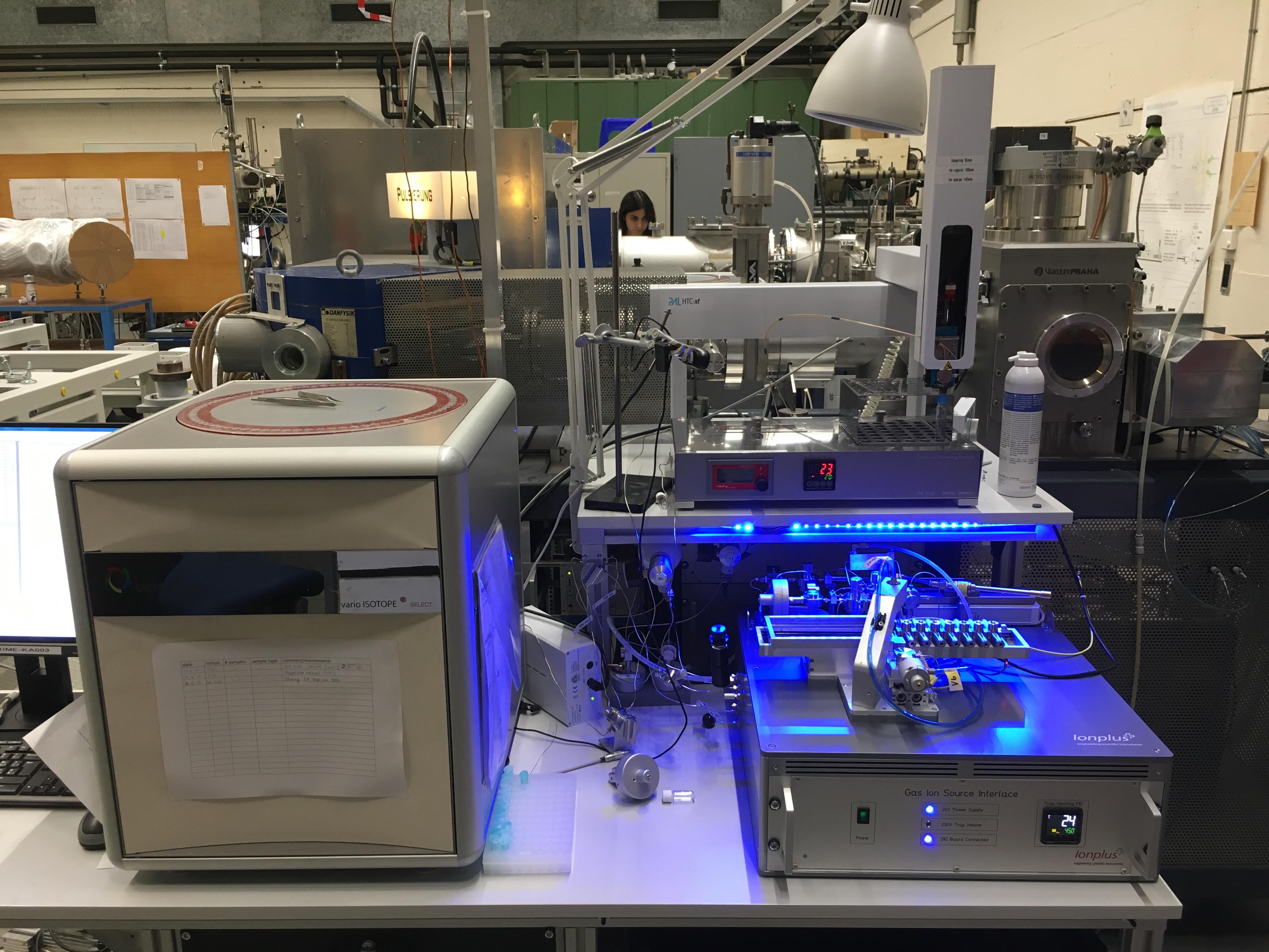 Gerät für die Radiokarbondatierung, Bild: Labor für Ionenstrahlphysik der ETH-Zürich