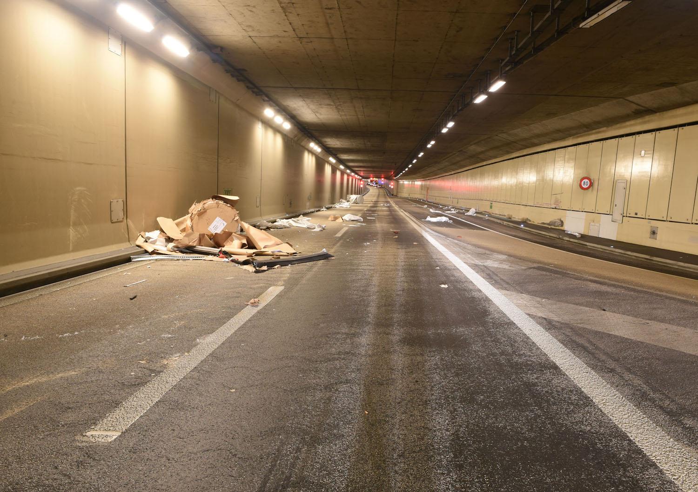 Die Autobahn A2 Richtung Süden musste gesperrt werden.