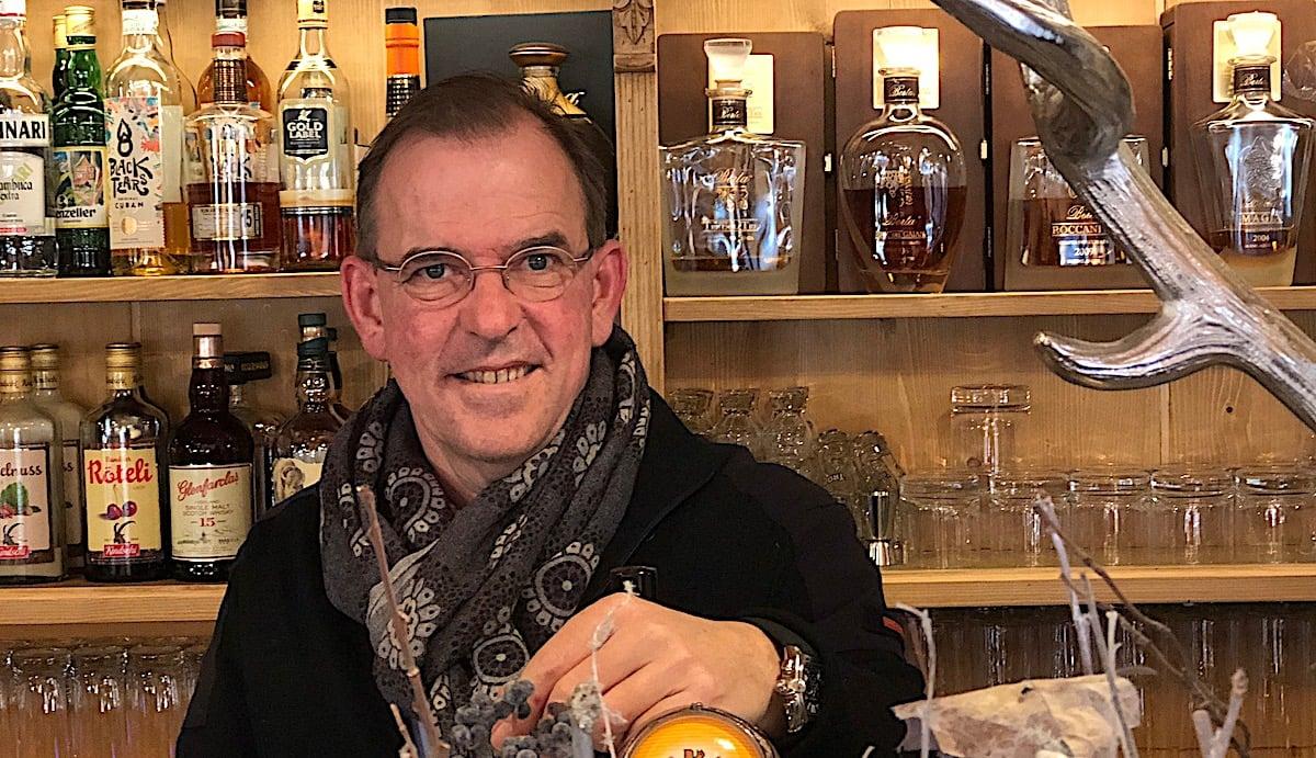 Roger Jenni bietet in der StadtAlp auch eineOutdoor-Bar, den AlpenGarten.