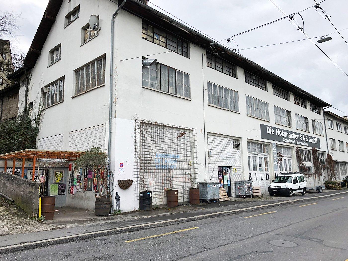 Das Gewerbehaus am Geissensteinring macht 2020 Wohnungen Platz.