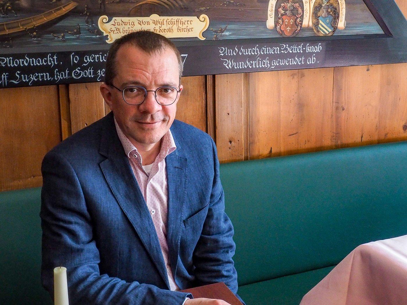 Der Geschäftsführer des Restaurant Schiff Peter Winter arbeitet seit Jahrzehnten in Luzern.