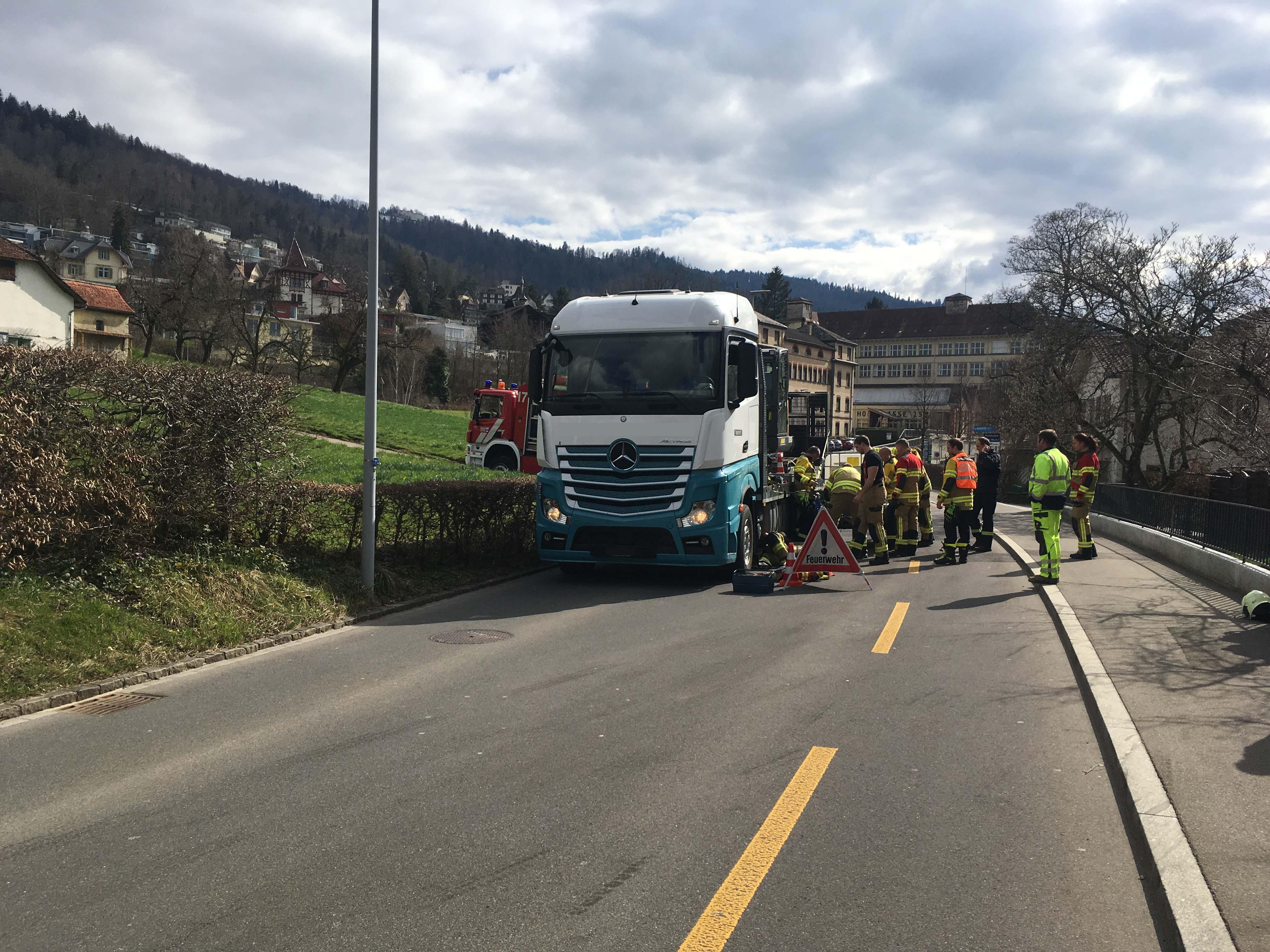 Im Einsatz standen die Freiwillige Feuerwehr Zug und Mitarbeitende der Zuger Polizei