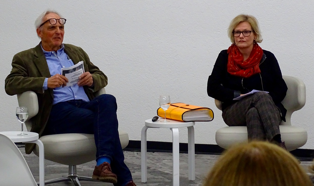 Jeanpierre Deville moderierte das Podium. Ursina Fausch zeigte in ihrem Einstiegsreferat die Entwicklungen in Luzern Süd auf.