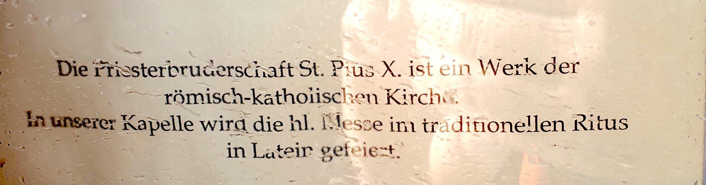 «Werk der römisch-katholischen Kirche» Infotafel in Menzingen.