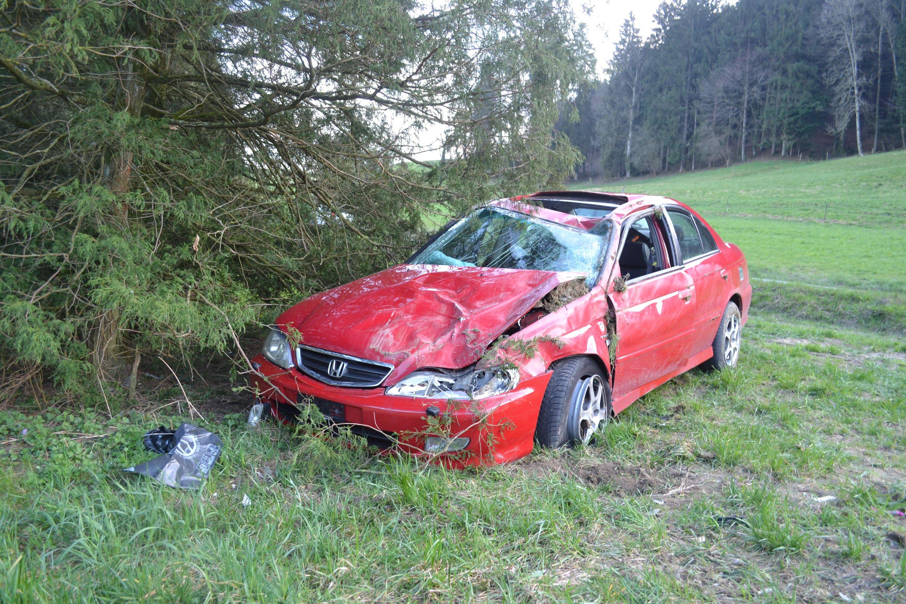 Beim Unfall entstand ein Sachschaden von mehreren tausend Franken.