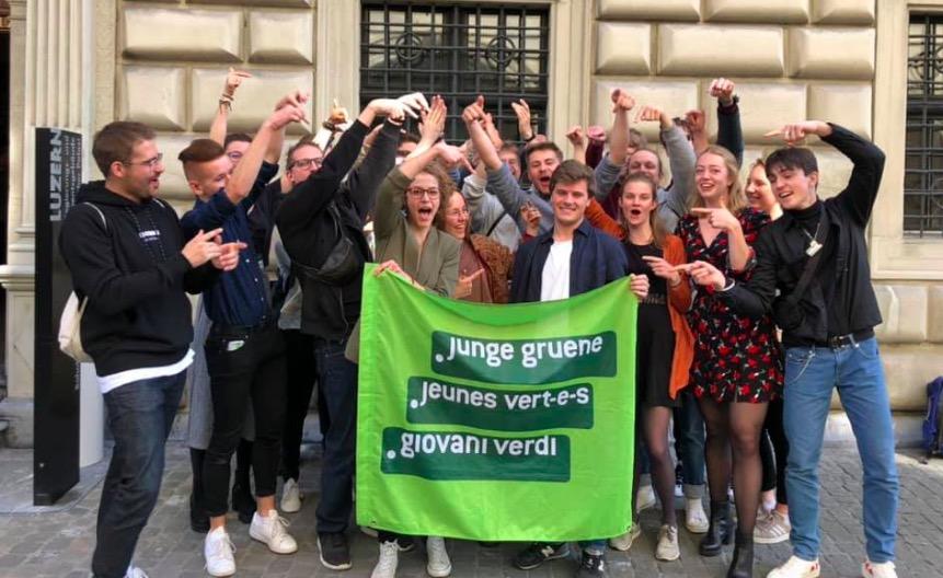 Die Jungen Grünen feierten ihren Triumph ausgelassen.