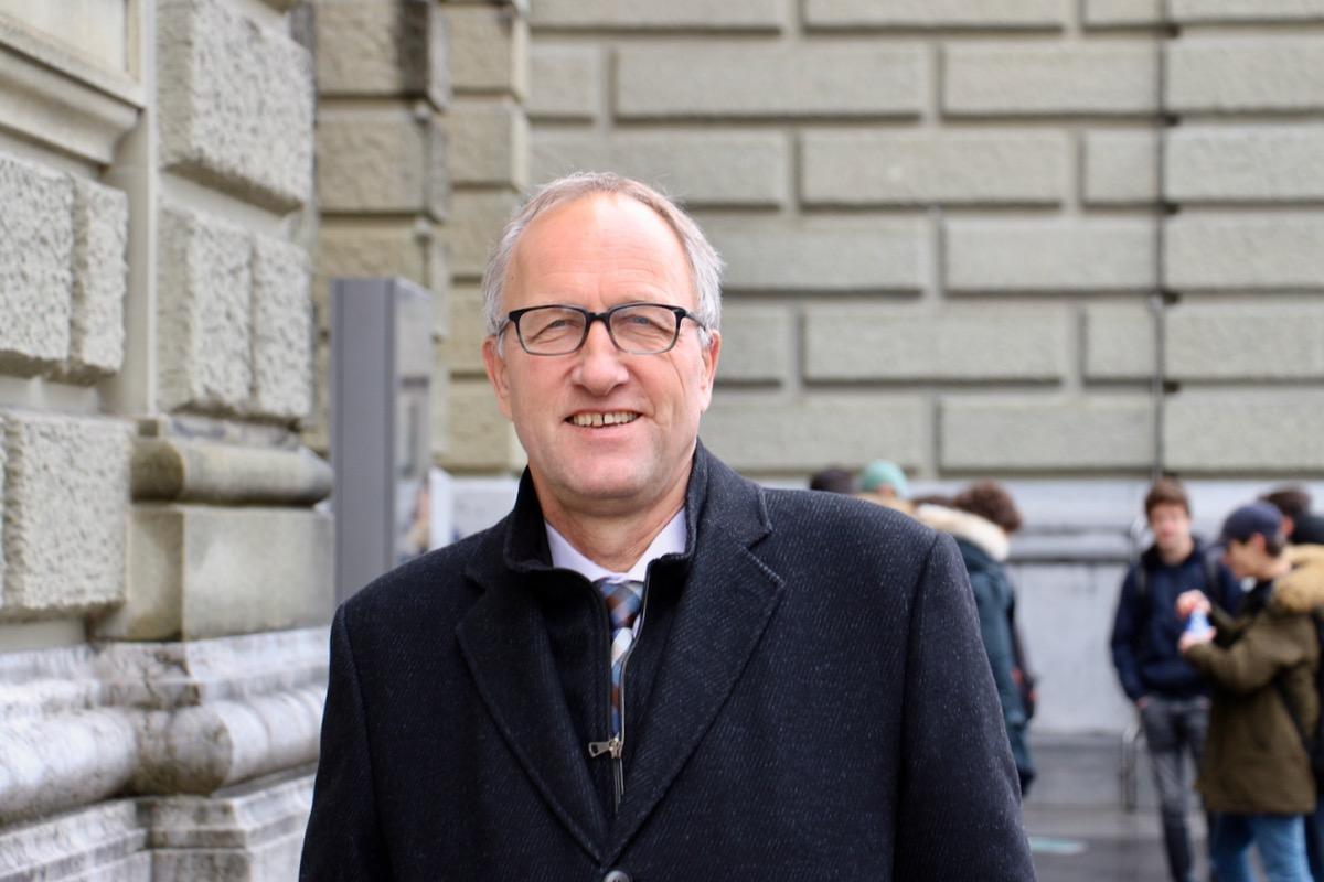 Peter Hegglin vor dem Bundeshaus. Hier will er auch weiterhin ein- und ausgehen. Aber nicht im Parlament.