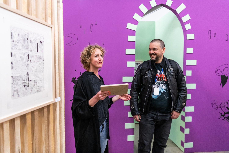 Fumetto-Leiterin Jana Jakoubek und Stargast Joann Sfar bei der Ausstellungseröffnung in der Kunsthalle.