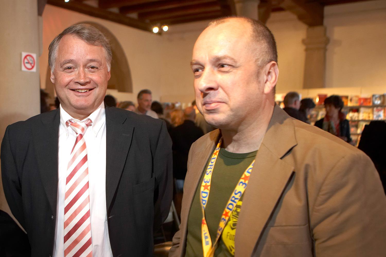 Stadtpräsident Urs W. Studer (links) und Niklaus Zeier 2006 am Comic-Festival Fumetto.