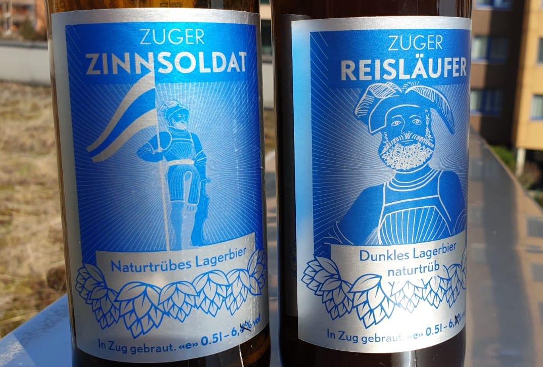 Eines der neueren Erzeugnisse auf dem Zuger Craft-Biermarkt: Dunkles Lager und helles Weizenbier der Zuger Braufreunde.