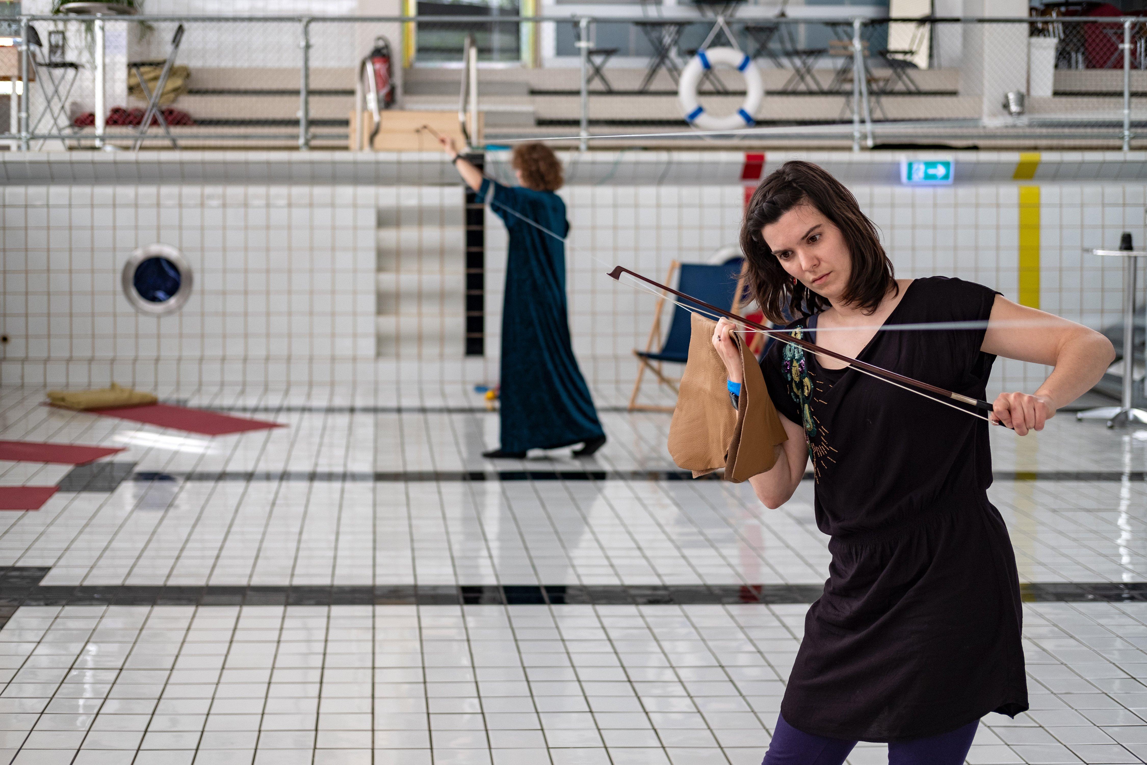 Auch mit diesem 15 Meter langen Staalseil wurde musiziert.