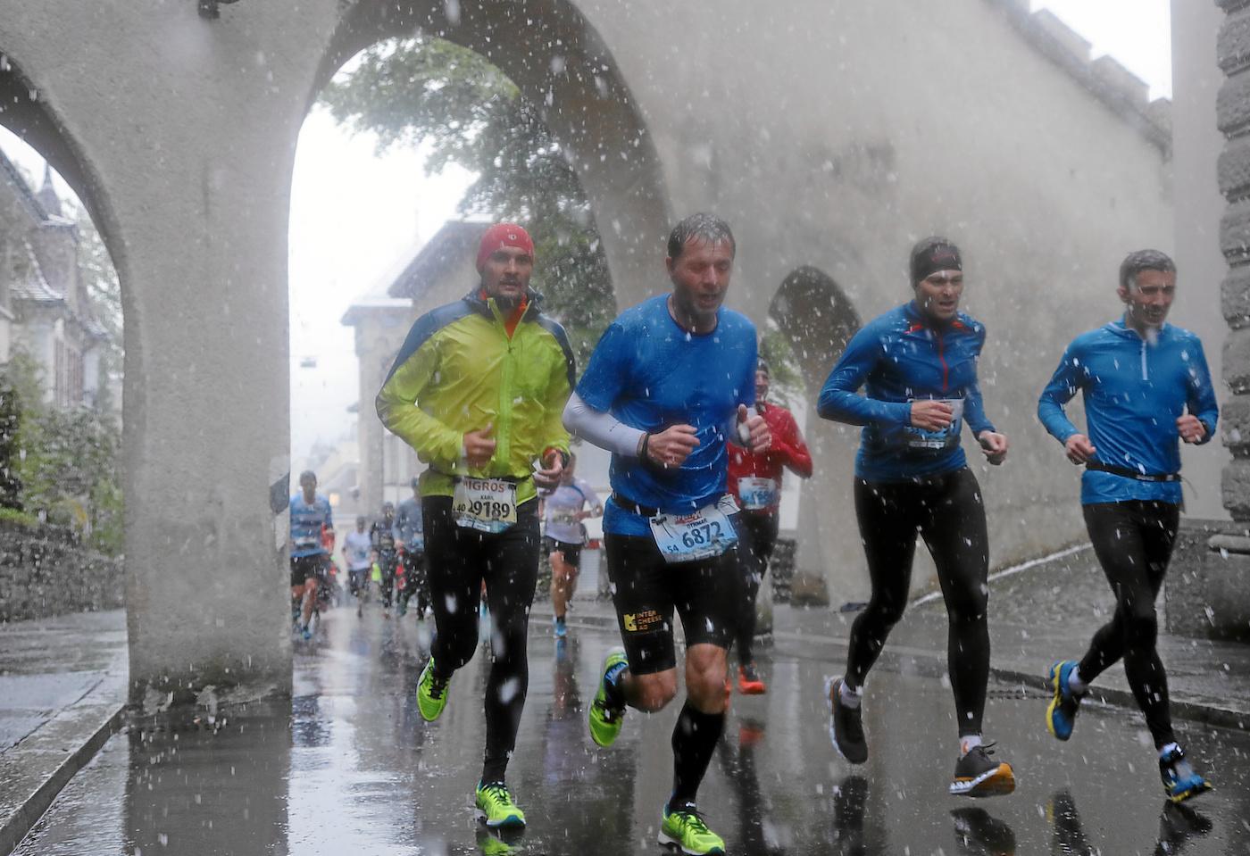 Sieht ungemütlich aus: Läufer der Musegg Classic am Stadtlauf.