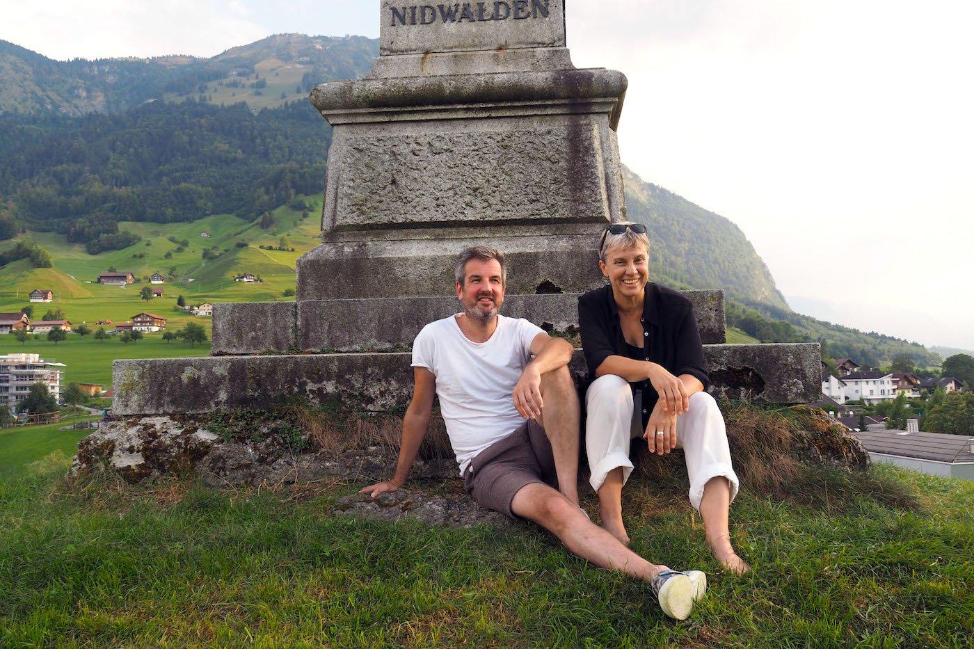 Bringen die «Schwarze Spinne» nach Ennetmoos: Autor Christoph Fellmann und Regisseurin Ursula Hildebrand.